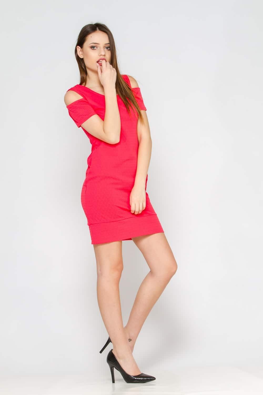 Comment porter une robe corail?